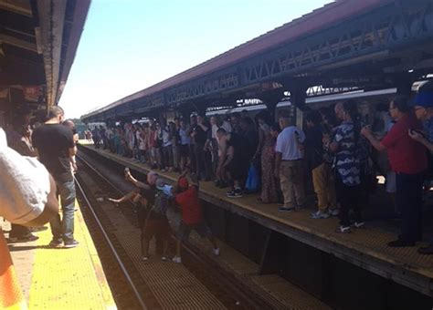 Straphanger hurt while helping woman who fell on subway