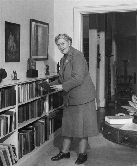 Agatha Christie Birthday, Real Name, Family, Age, Weight